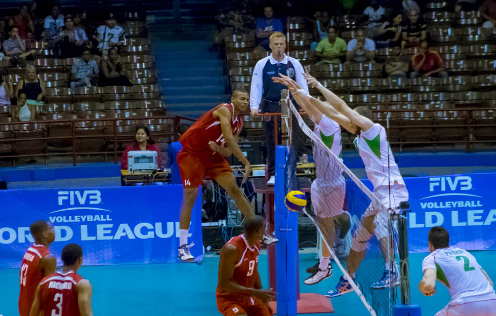 Cuba vs. Bulgaria en la Liga Mundial de Voleibol