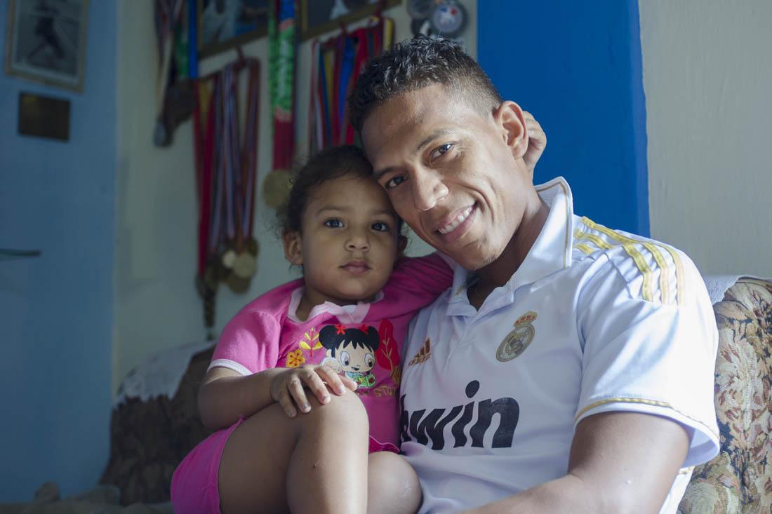Osleini Guerrero y su hija