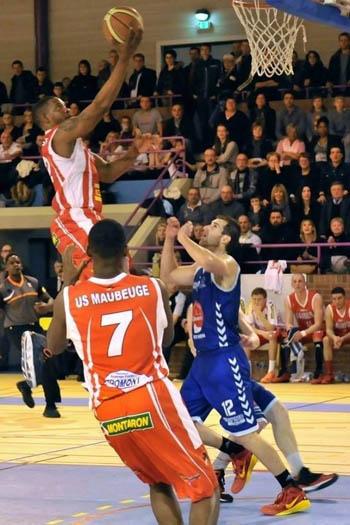 Georffrei Silvestre en la tercera división de la liga de baloncesto de Francia