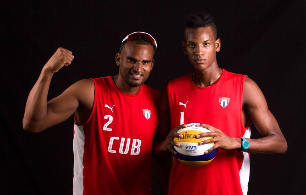 Pareja cubana de voleibol de playa derrota a los campeones olímpicos
