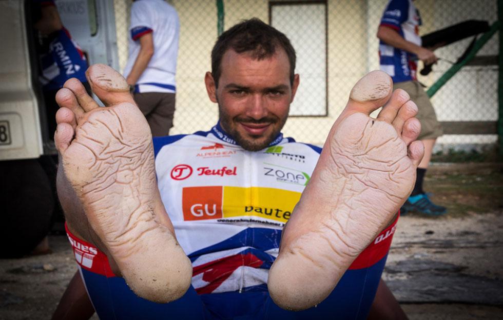 ¿Cómo logró Jacob Zurl atravesar Cuba en bicicleta sin detenerse?