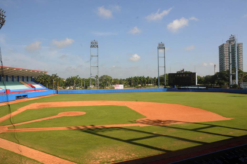 Terreno del estadio Cándido González