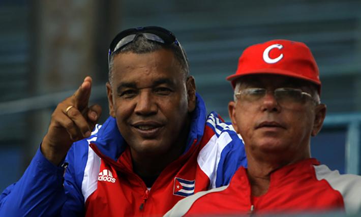 Victor Mesa y Jorge Fuentes, dos directores que han hecho historia en las Series Nacionales. Cada uno a su manera. Foto: Ismael Francisco/Cubadebate.