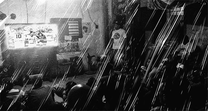 Los cubanos se las han ingeniado para seguir la MLB de muchas maneras, casi siempre ilegales. Foto: Play Off Magazine.