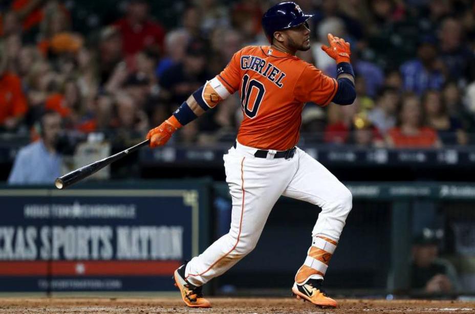 Yuli Gurriel sigue bateando y Raisel salva: resumen cubano en MLB