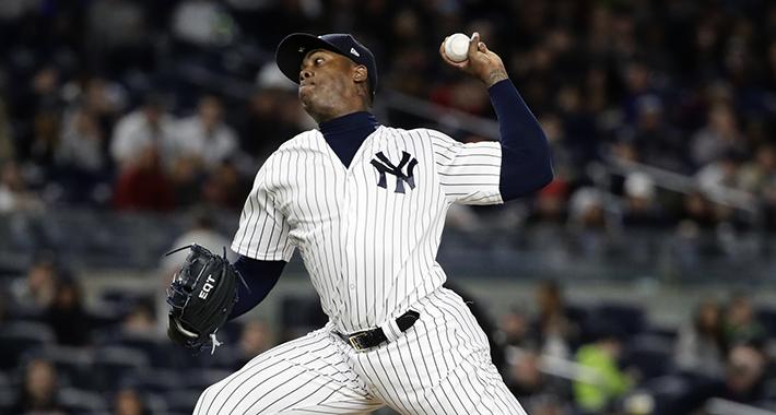Chapman mantiene vivos a los Yankees