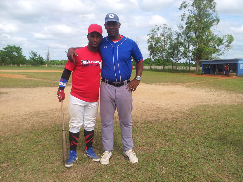 Loidel Chapellí Jr. y su padre Loidel Chapellí. FOTO: del autor