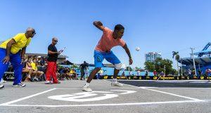 El Baseball5 pretende incluirse entre los Urban Games y establecer calendarios de competencias oficiales. Foto: Hansel Leyva.