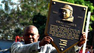 Omar Linares, una verdadera leyenda del béisbol cubano, al ser exaltado en 2014 al Salón de la Fama de Cuba. FOTO: Marcelino Vázquez.
