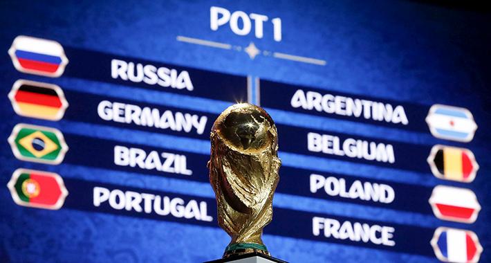 Este viernes 1 de diciembre quedaron conformados los grupos de la próxima Copa Mundial .FOTO: REUTERS/Sergei Karpukhin