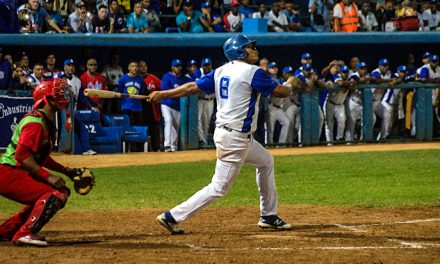 PLAY BALL – Industriales a casa llena: ¡lechada!