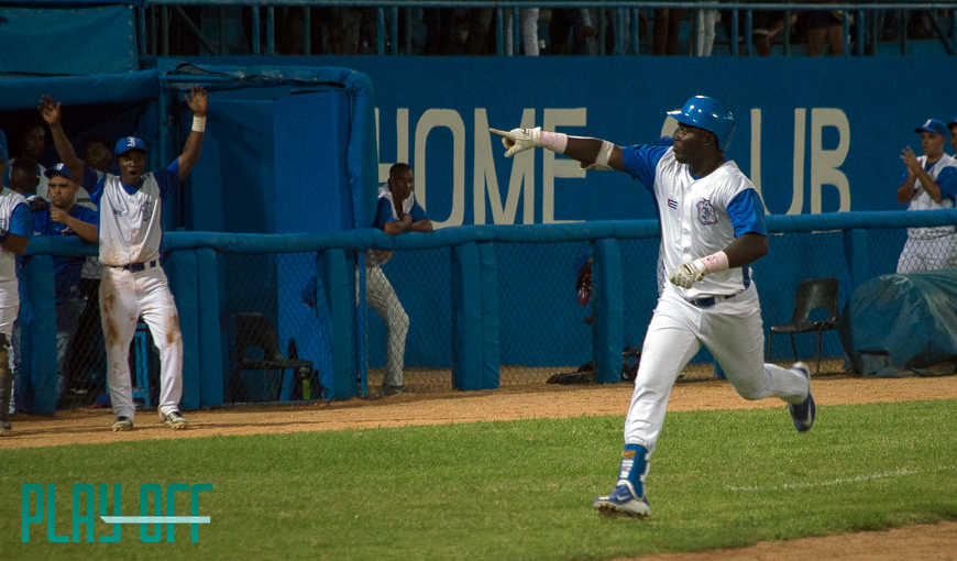 PLAY BALL: Anglada vs Paret, ¿ofensiva o picheo?