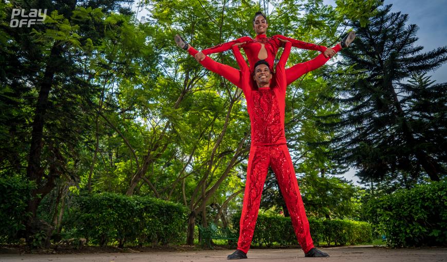 Cheerdancers en Cuba: los campeones triunfan en soledad