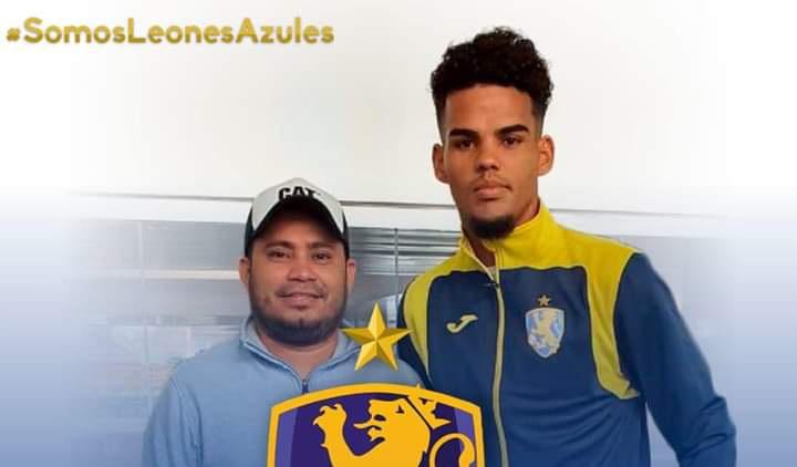 Autoridades de fútbol cubano retrasan debut profesional de Sandro Cutiño