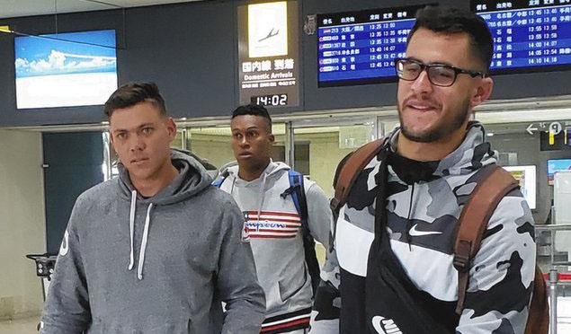 Arriban a Japón peloteros cubanos para entrenamiento con Dragones de Chunichi