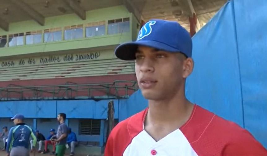 Sancionan a principal prospecto del béisbol cubano por intento de salida ilegal