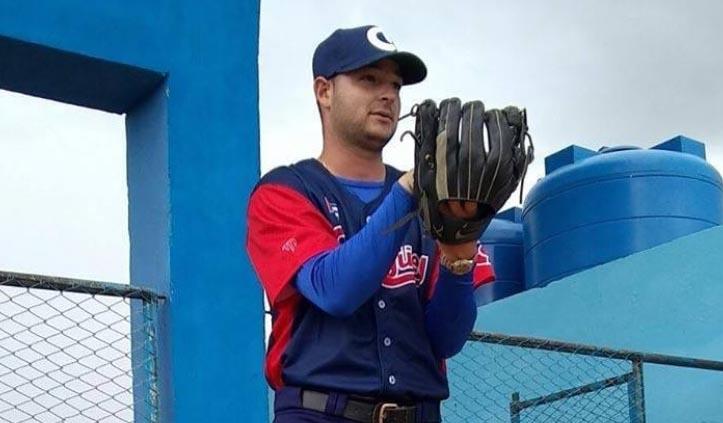 Béisbol cubano de luto: fallece lanzador Erislery Basulto en accidente de tránsito