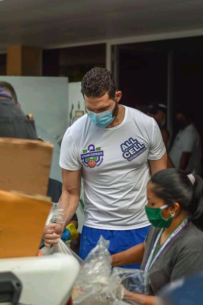 baloncestistas cubanos en El Salvador