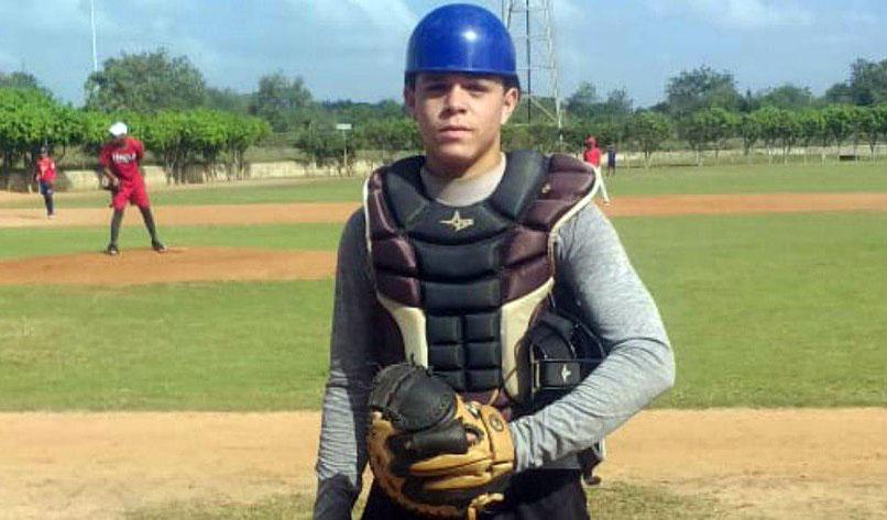 Nada frena la fuga de talento del béisbol cubano: otro joven busca su camino a MLB