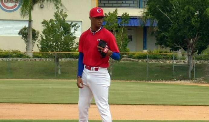 Reinier Roll lanzador cubano en Nicaragua