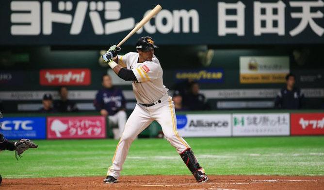 Bates cubanos se calientan en Japón y Moinelo pone el cerrojo