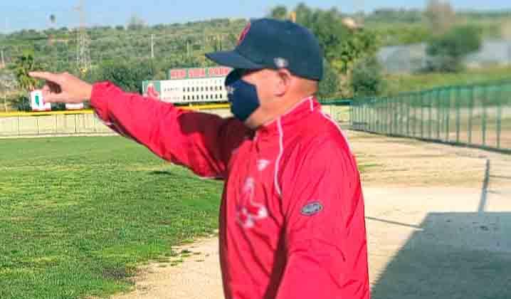 entrenador cubano Noel Guerra